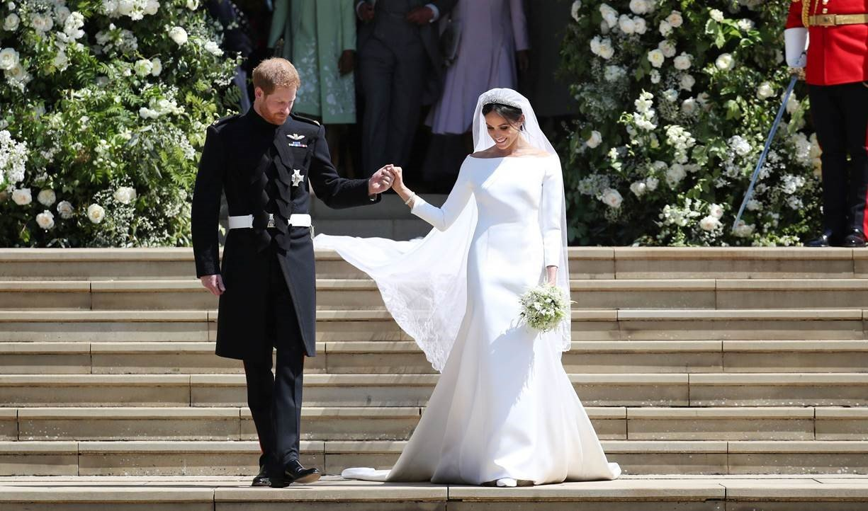 Ms.-Meghan-Markle-in-Givenchy-Haute-Couture-by-Clare-Waight-Keller-4