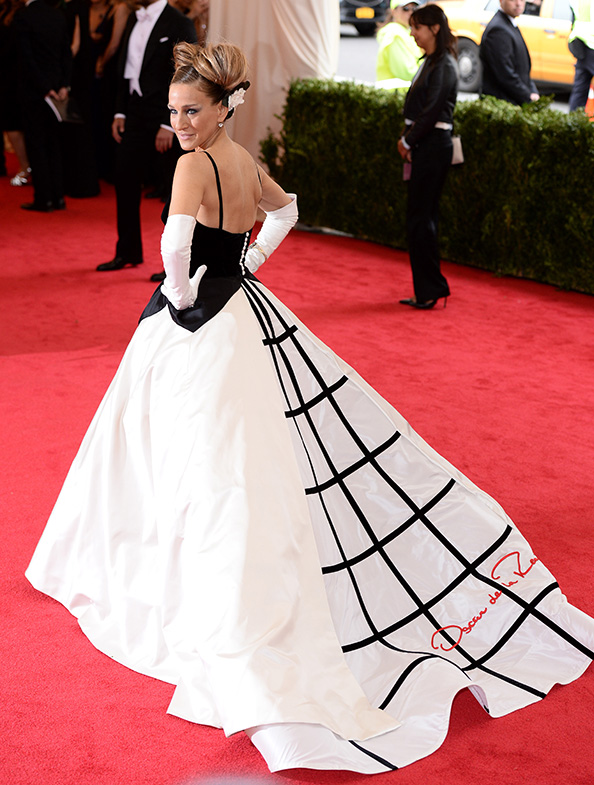 Sarah Jessica Parker wearing Oscar de la Renta