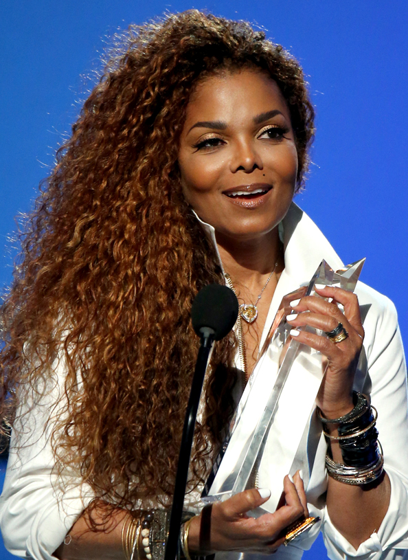 Janet Jackson at the BET awards wearing a necklace and ring from her Unbreakable collection